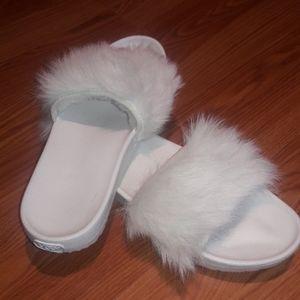 UGG slides royale treadlite white fur NWOT